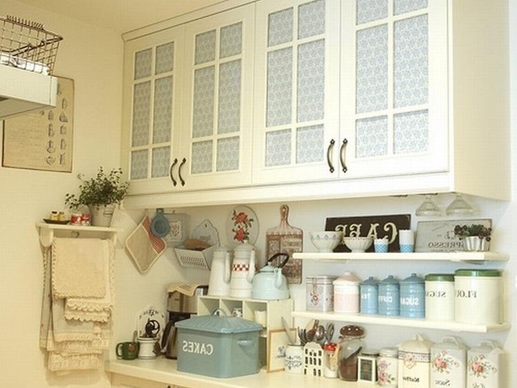 Интерьер кухни белого цвета