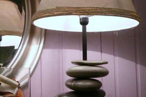 Лампа из камней
