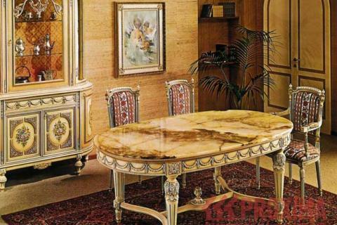 обеденный стол и буфет в стиле барокко