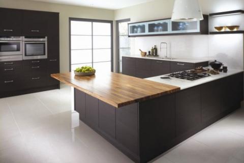 коричнево-серая кухня