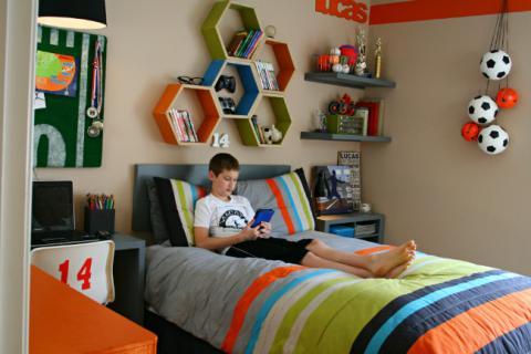 комната в футбольном стиле