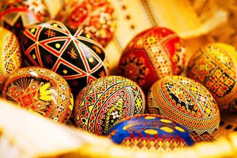 яйца с хохломским декором