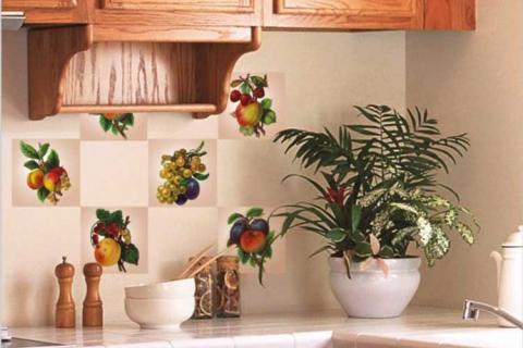 украшение кафеля на кухне
