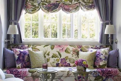 французские шторы из ткани в цветы