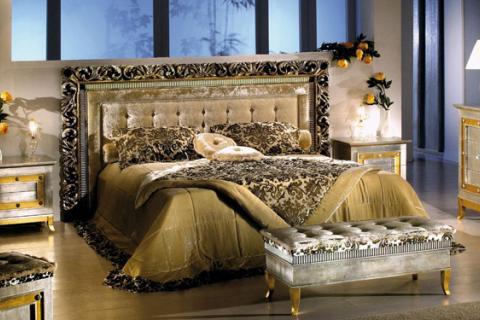 золотая кровать в стиле гламур
