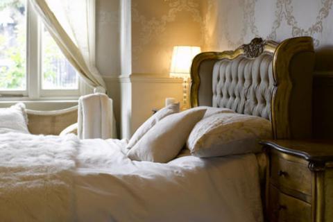 золотая гламурная кровать