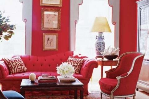 красный цвет в классической гостиной