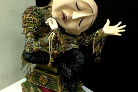 кукла грустного Пьеро