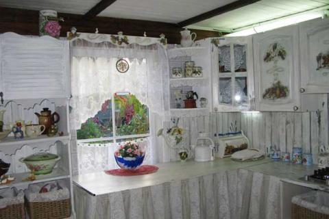 белая деревенская кухня