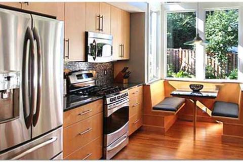 кухня со столовой на пристроенном балконе