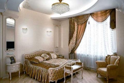 хрустальная потолочная люстра в спальне
