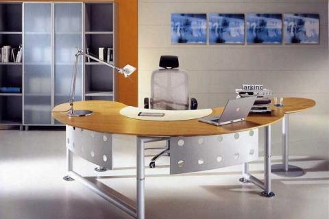 светлый рабочий стол