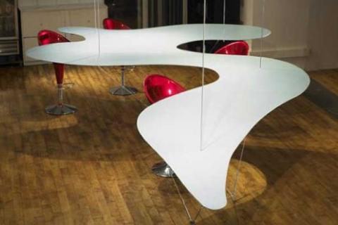 офисный стол необычной формы
