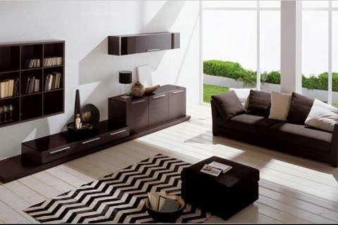 минималистичная гостиная с контрастной мебелью
