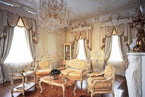 бело-золотая гостиная в стиле барокко