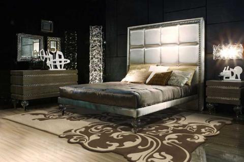 фигурный ковер в спальне