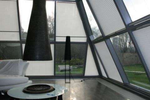 шторы-плиссе на наклонных окнах