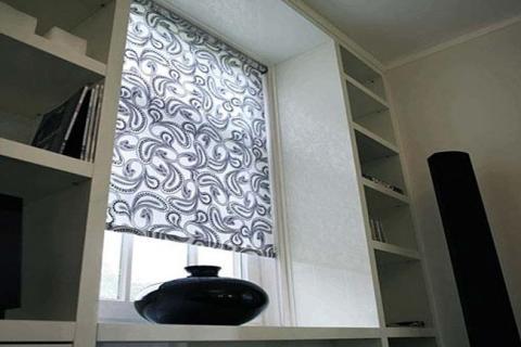 черно-белые рулонные шторы
