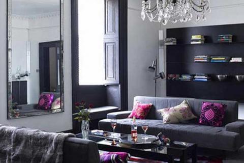 гостиная серого цвета с элементами классики
