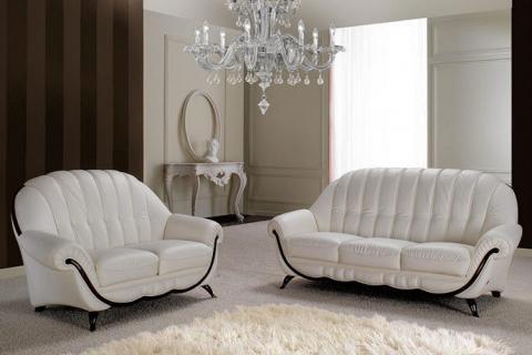 два белых дивана