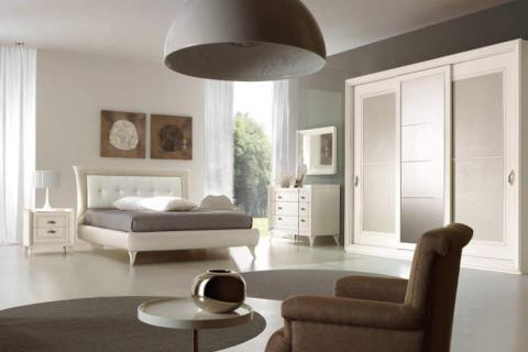 спальня в серо-белых тонах