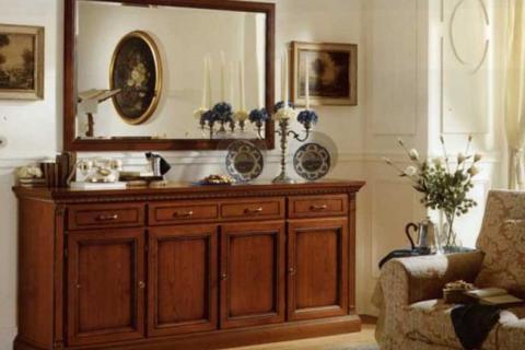 зеркало в гостиной классического стиля