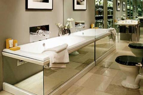 большие зеркала в оформлении ванной
