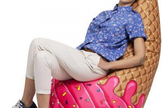 кресло в виде рожка мороженного