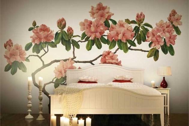 цветочные фотообои в спальне