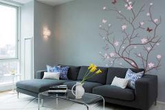 комната со светло-серыми стенами